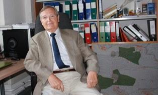 Professor Manfred Zschweigert