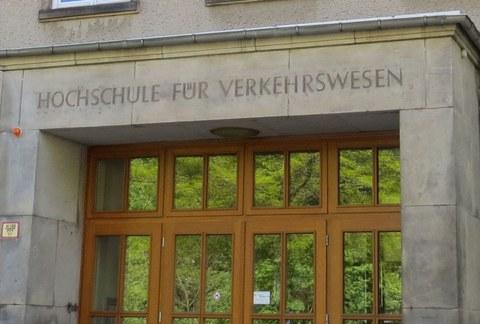 Eingang Hochschule für Verkehrswesen