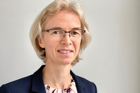 The picture shows Professor Regine Gerike, Head of Chair