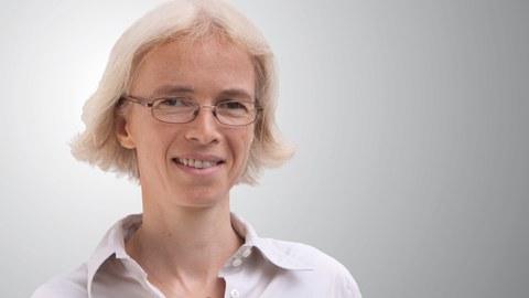 Das Bild zeigt Frau Professor Regine Gerike, die Inhaberin der Professur.