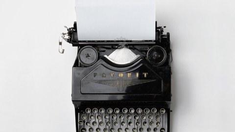 Das Bild zeigt eine Schreibmaschine.