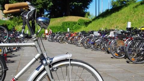 Abbildung abgestellter Fahrräder
