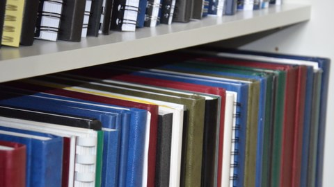 Diplomarbeiten Buchrücken