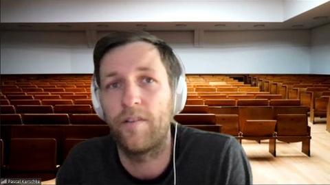 Prof. Kerschke hält Vortrag vor leerem Hörsaal