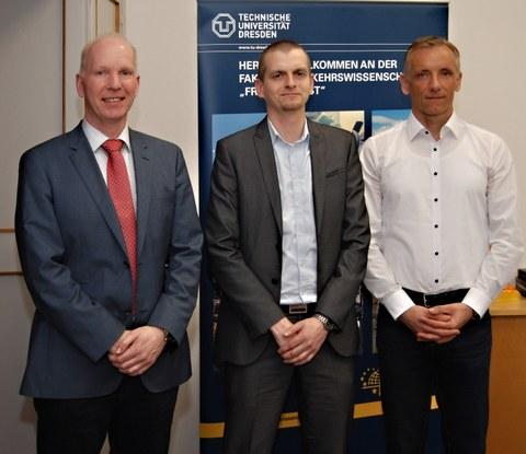 Prof. Bäker, Prof. Petzoldt, Prof. Fricke (v.l.n.r.)