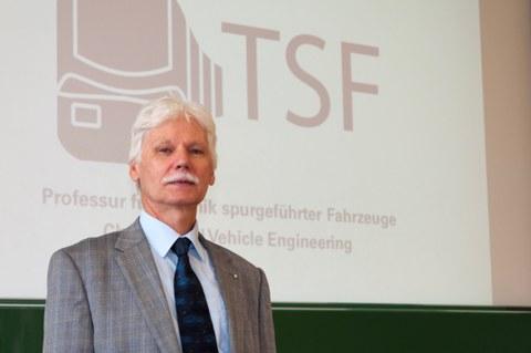 Prof. Günter Löffler