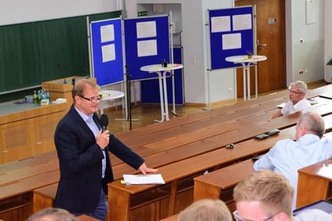 Prof- Stephan betont die Wichtigkeit der Außendarstellung und Außenwirkung der Fakultät