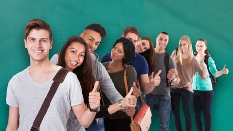 fröhliche Studierende