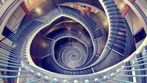 Spiral staircase in the Hülsse building from above.