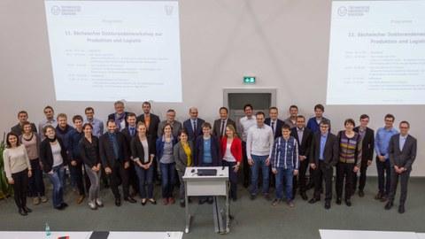Gruppenfoto der 22 Teilnehmer des Workshops.