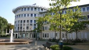 Schumannbau am Münchner Platz