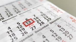 Ein Kalender ist auf dem Bild zu sehen