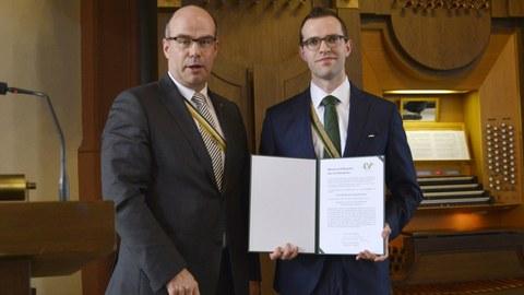 Auszeichnung Dr. Daniel Schubert (breit)