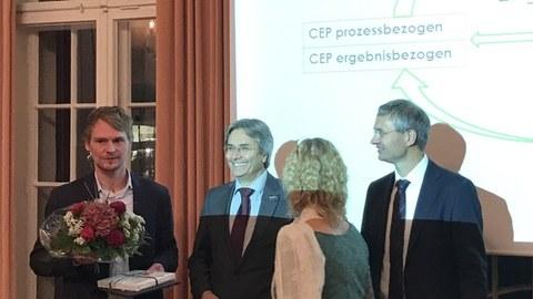 Dr. Jan Endrikat, Prof. Dr. Hans Müller-Steinhagen, Dorothea Sick-Thies, Dr. Mathias Panicke (v. l. n. r.)