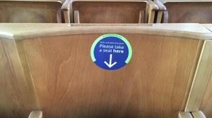 Leerer Sitzplatz im Hörsaal