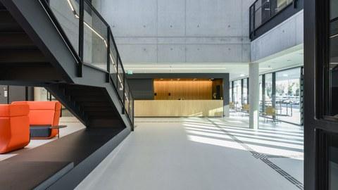 DZNE_BCUBE_building_hall