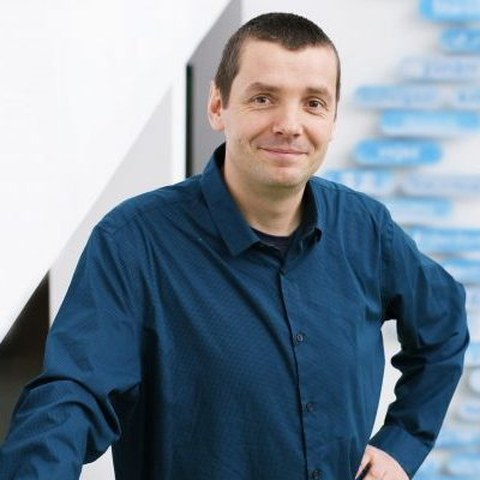 Dr. Marko Brankatschk