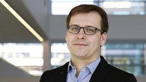 Prof. Mike O. Karl