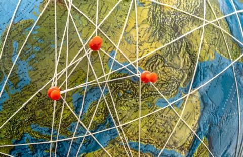 Markierungen und Verbindungen auf Karte