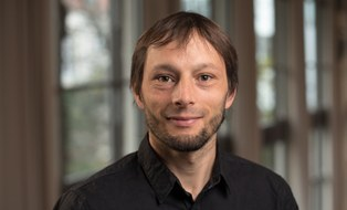 Dr. Felix Dollinger