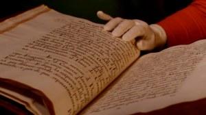 aufgeschlagene alte Handschrift