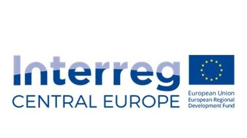 Logo Interreg Central Europe mit der EU-Flagge