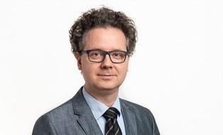 Dr. S. Hanig