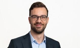 Dr. S. Schneider