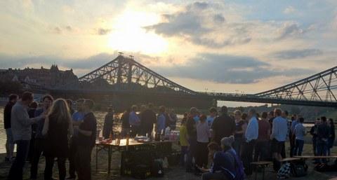 Campfire near the bridge Blaues Wunder