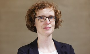 Dr. Barbara Könczöl