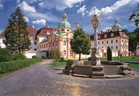 Kloster St. Marienthal, Dreifaltigkeitsbrunnen