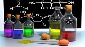 Farbige Lösungen und chemische Formeln