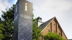 Informationspunkt auf dem Campus der TUD
