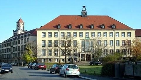 Gebäude am Weberplatz, Westflügel
