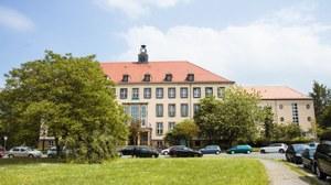 Weberbau – Fakultät für Erziehungswissenschaft