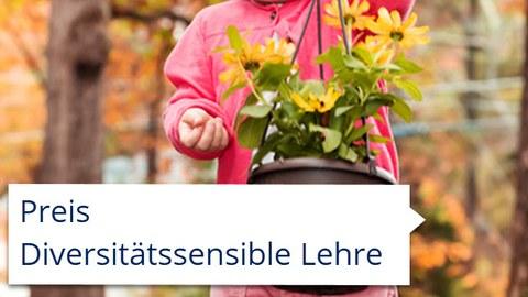 Herbstblumen getragen von Kind