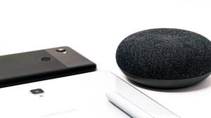 Ein Handy, ein Tablet, ein Sprachassistent
