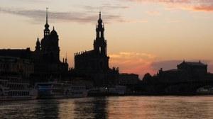 Dresdner Altstadt vom Königsufer aus