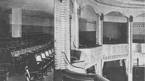 Blick auf den Rang der Union Theater Lichtspiele