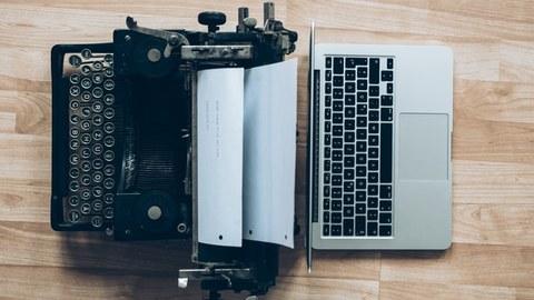 Schreibmaschine, Laptop