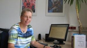 Prof. Monika Scheidler in ihrem Büro