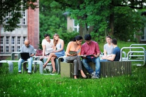 Studierende im Austausch