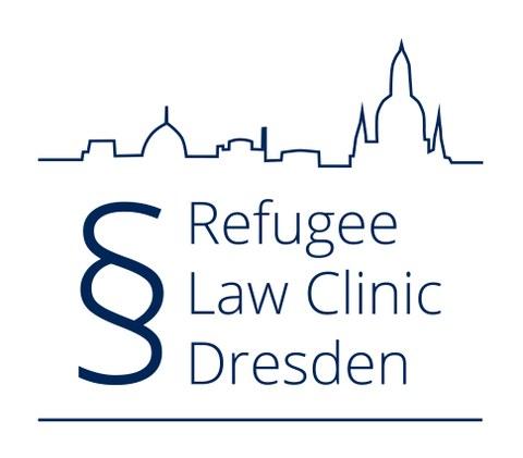 Logo der Refugee Law Clinic Dresden. Zu sehen ist der entsprechende Schriftzug, eingefasst von der Dresdner Stadfilhouette und begleitet von einem Paragraphen-Zeichen.