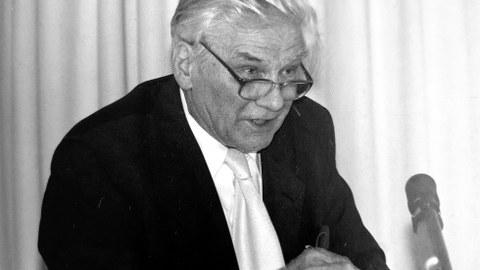Porträt von Prof. Karlheinz Blaschke