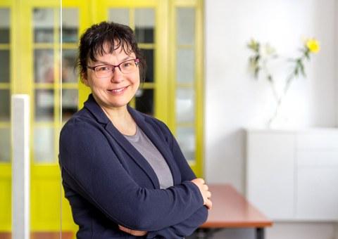 Portraitfoto Prof. Dr. Klavdia Smola
