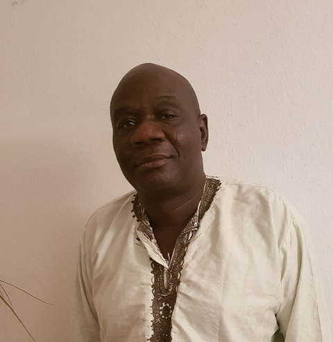 Portraitfoto von Prof. Wumi Raji