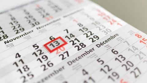 Kalender mit Wochentag