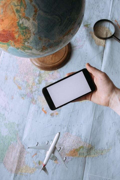 Weltkarte mit Globus