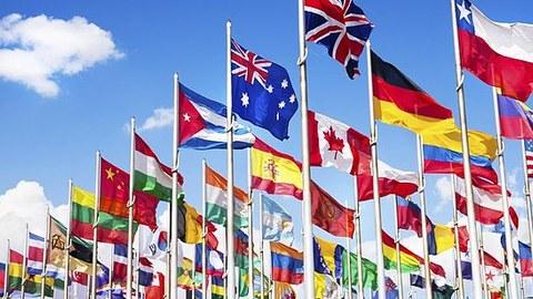 Zu sehen sind die Staatsflaggen verschiedener Länder.