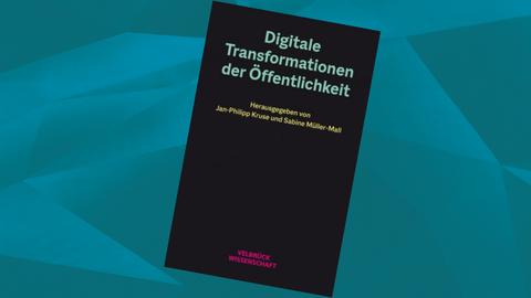"""Buchcover: """"Digitale Transformationen der Öffentlichkeit"""", dunkler Einband, Schriften in grün, gelb und pink"""